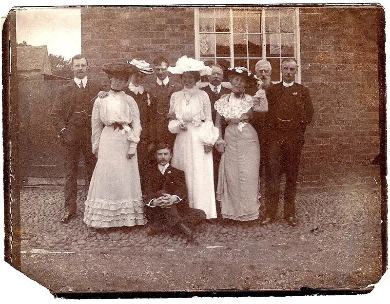 1903 Family at Wedding